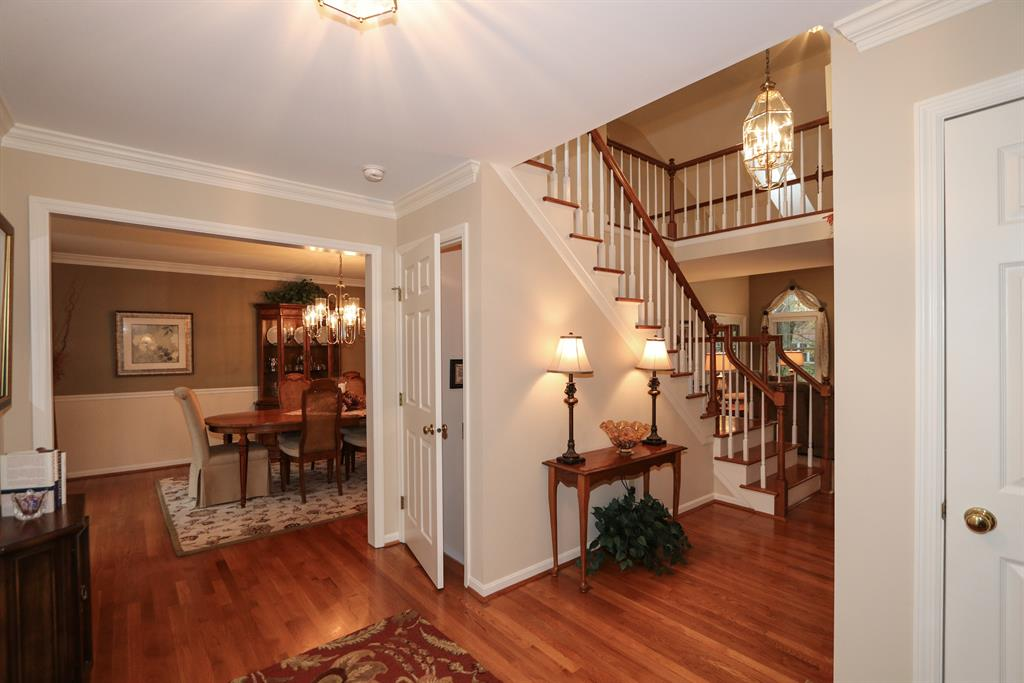 Foyer for 3810 Monets Ln Evendale, OH 45241