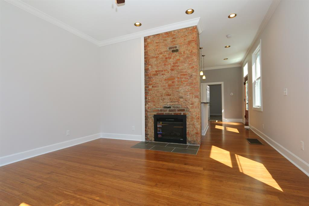 Living Room for 721 Weingartner Pl Newport, KY 41071