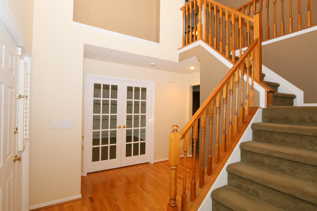 Foyer image 2 for 1846 Windingvine Ct Florence, KY 41042