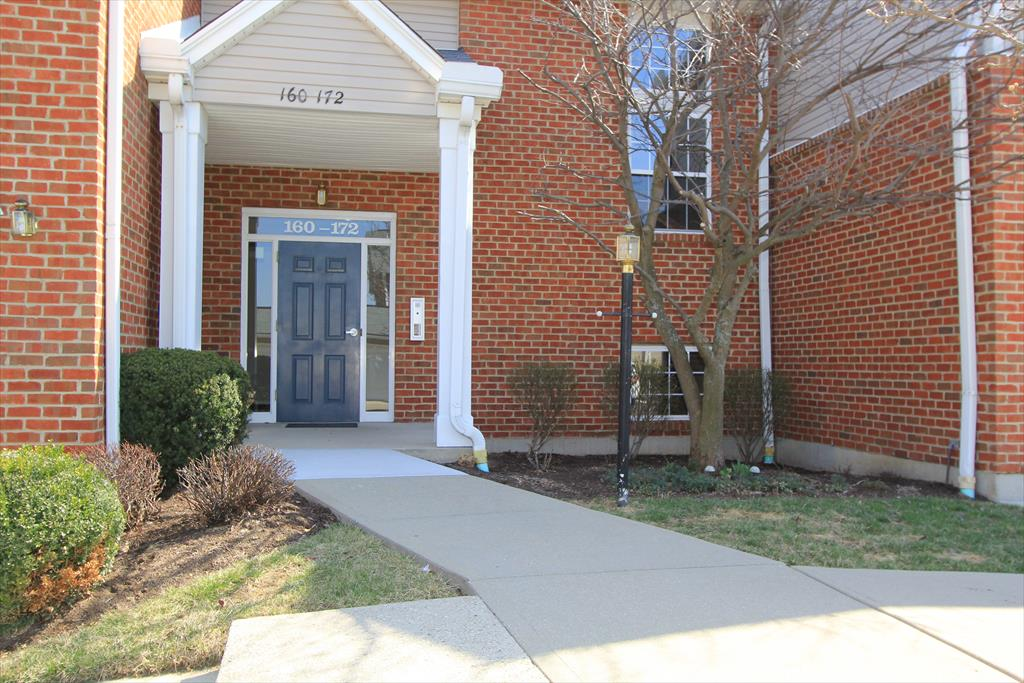 Entrance for 164 Langshire Ct Florence, KY 41042