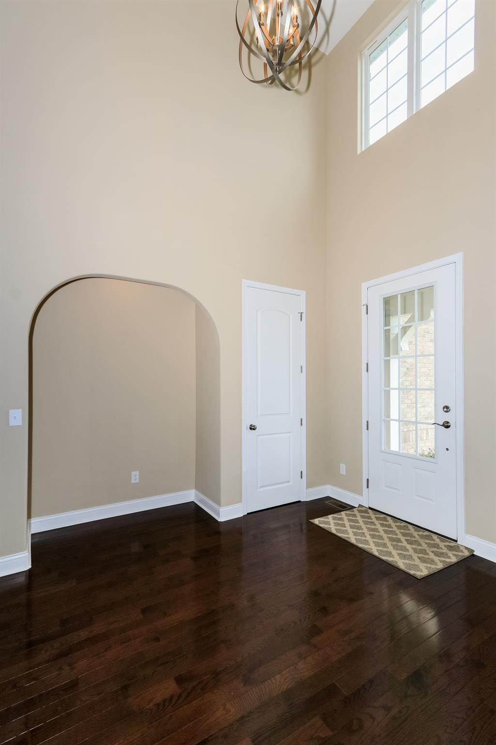 Foyer for 11148 War Admiral Dr Union, KY 41091