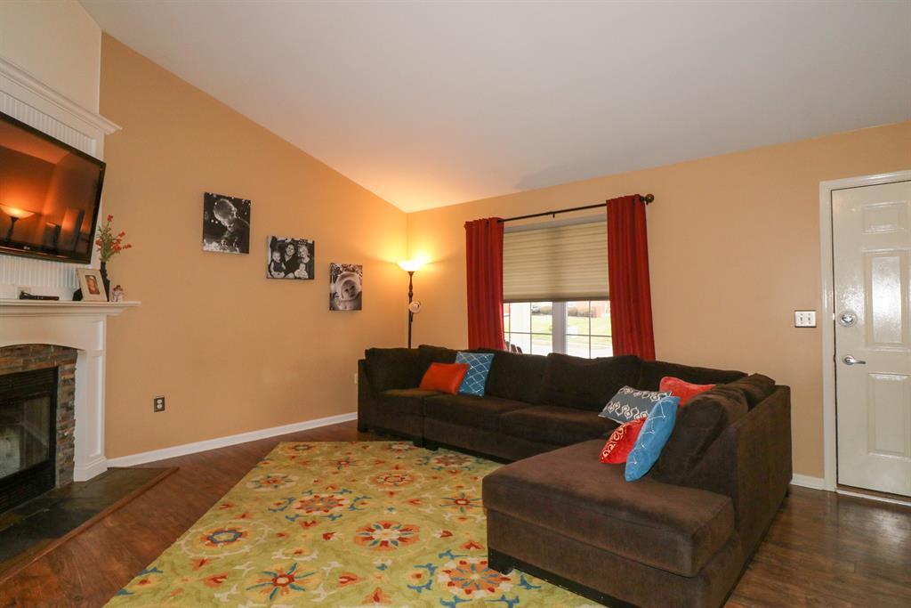 Living Room for 7616 Thunder Ridge Dr Florence, KY 41042