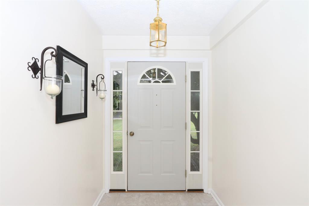 Foyer for 1819 Tanner Rd Hebron, KY 41048