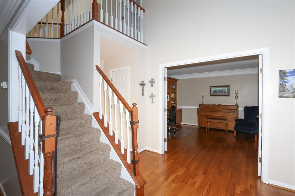 Foyer for 1853 Windingvine Ct Florence, KY 41042