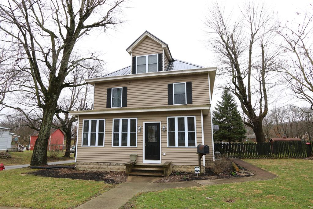 301 Bourbon St Blanchester, OH
