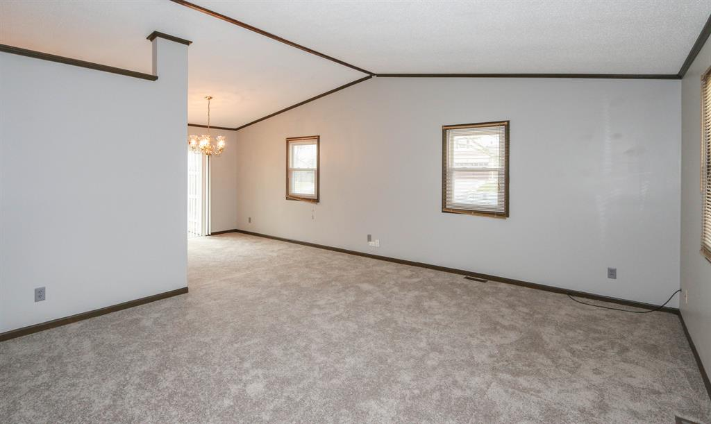Living Room for 231 Heather Way Middletown, OH 45042