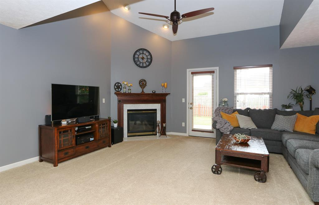 Living Room for 370 Bishea Ct Fairborn, OH 45324