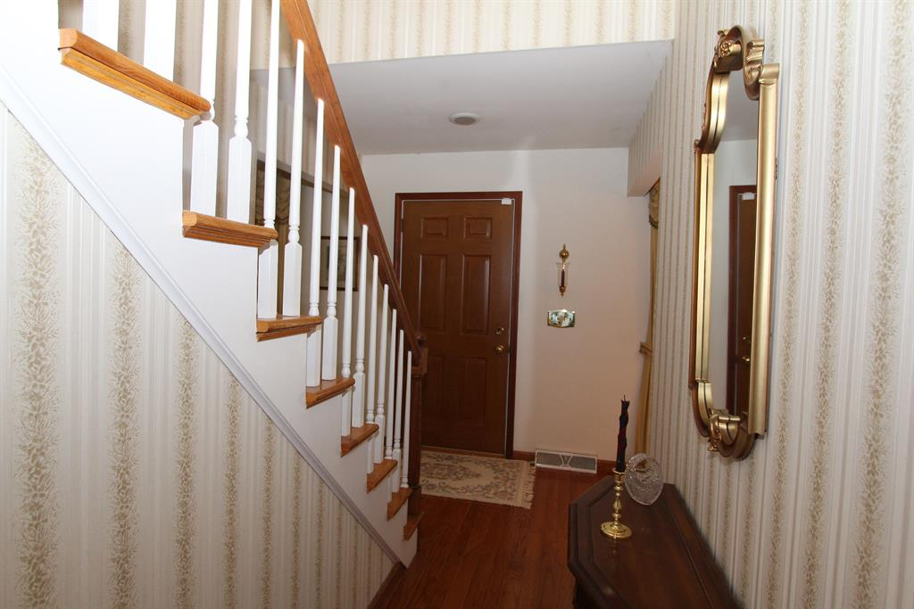 Foyer for 3135 Lawrence Dr Edgewood, KY 41017