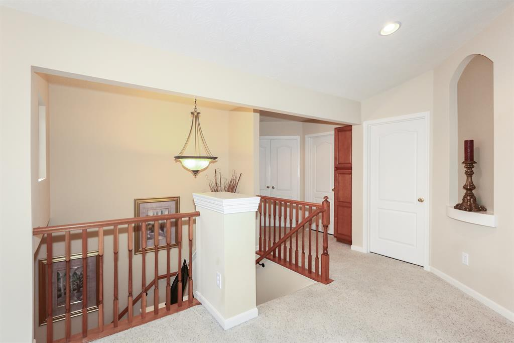 Foyer for 2021 Stonewall Trl Florence, KY 41042