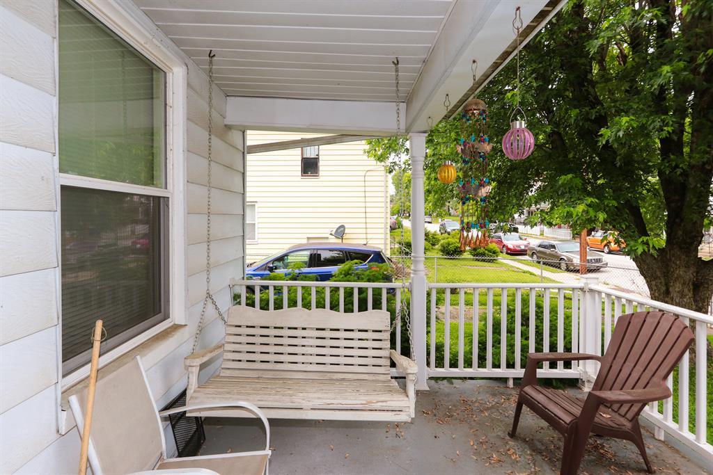 Porch for 3837 Glenn Ave Covington, KY 41015