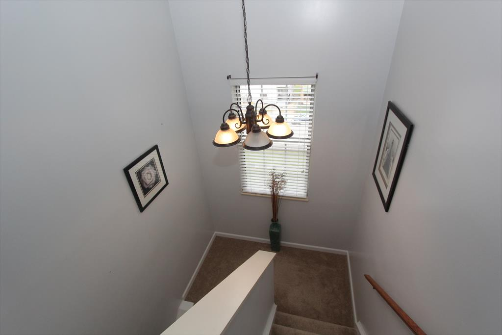 Foyer for 1120 5th Ave Dayton, KY 41074