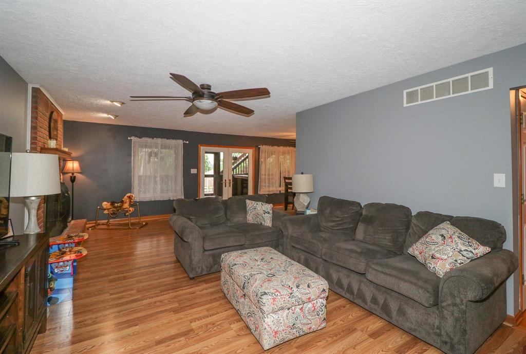 Living Room for 10176 Cedarwood Dr Union, KY 41091