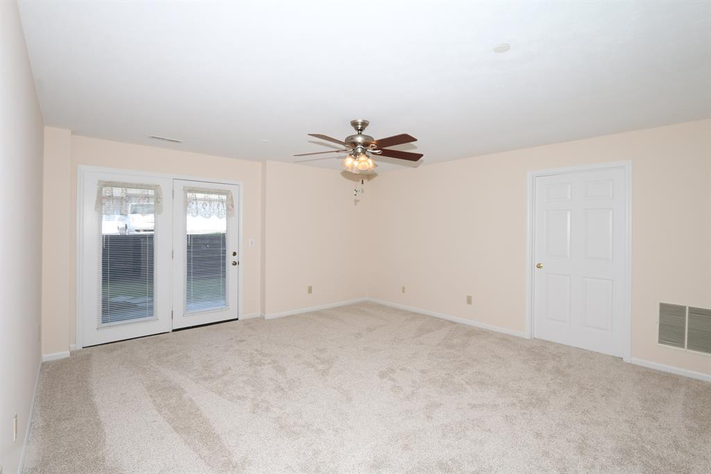 Living Room for 145 Barren River Dr, 1 Erlanger, KY 41018