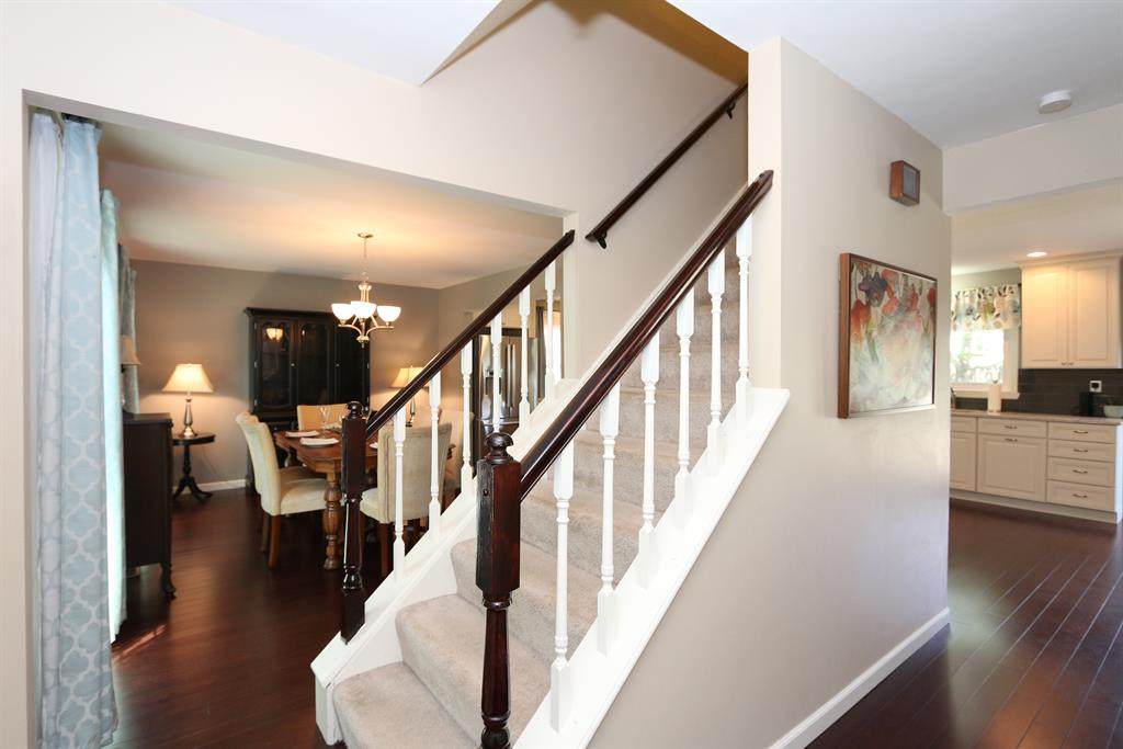 Foyer for 625 Rogers Rd Villa Hills, KY 41017