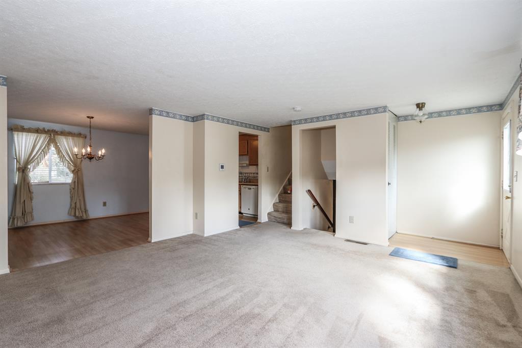 Living Room for 4076 Circlewood Dr Erlanger, KY 41018