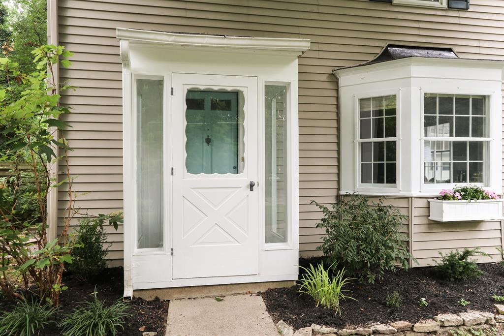 Entrance for 6980 Murray Ave Mariemont, OH 45227