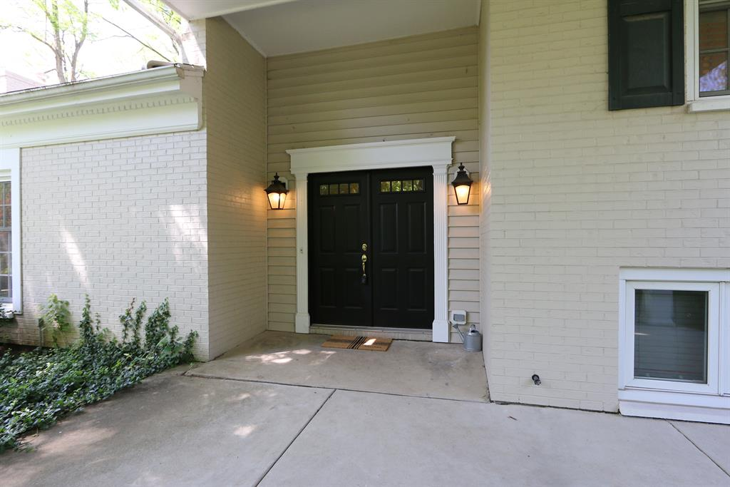 Entrance for 545 Sweetwood Ln Oakwood, OH 45419