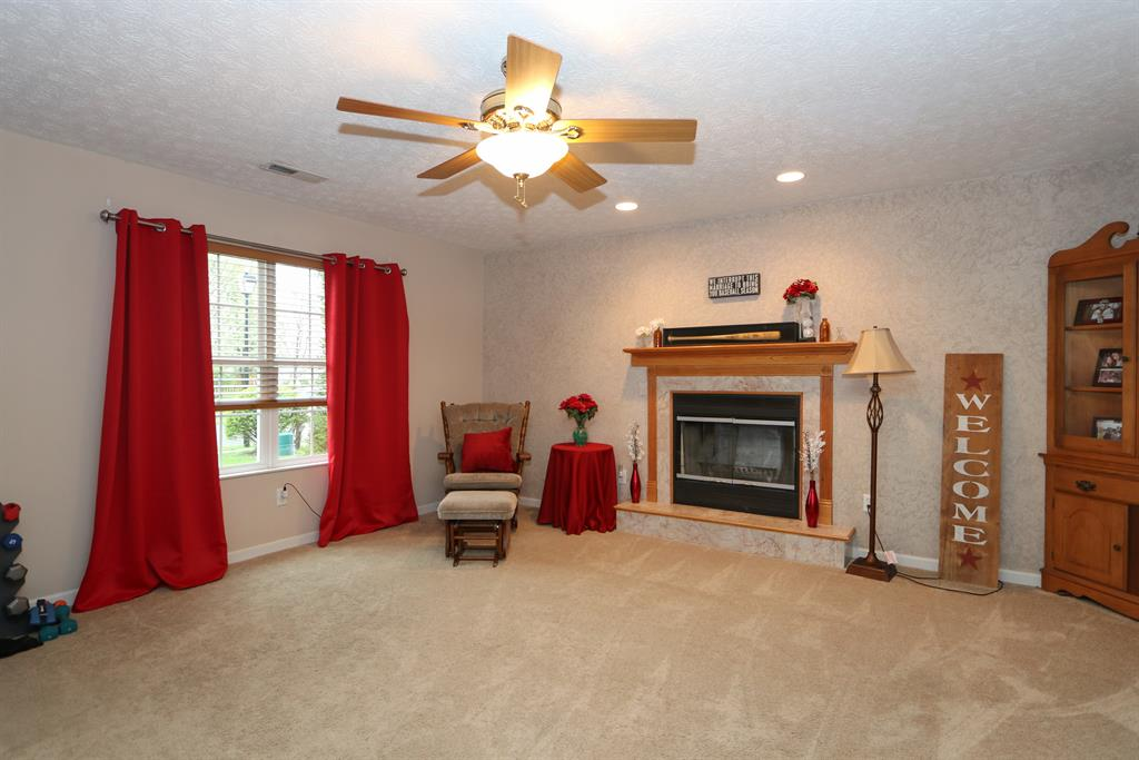 Living Room for 2321 Faircreek Ridge Dr Fairborn, OH 45324