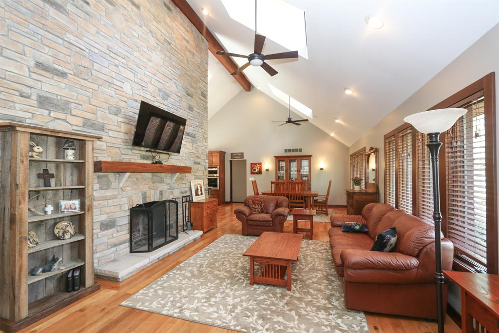 Living Room for 13229 Oak Creek Rd Verona, KY 41092