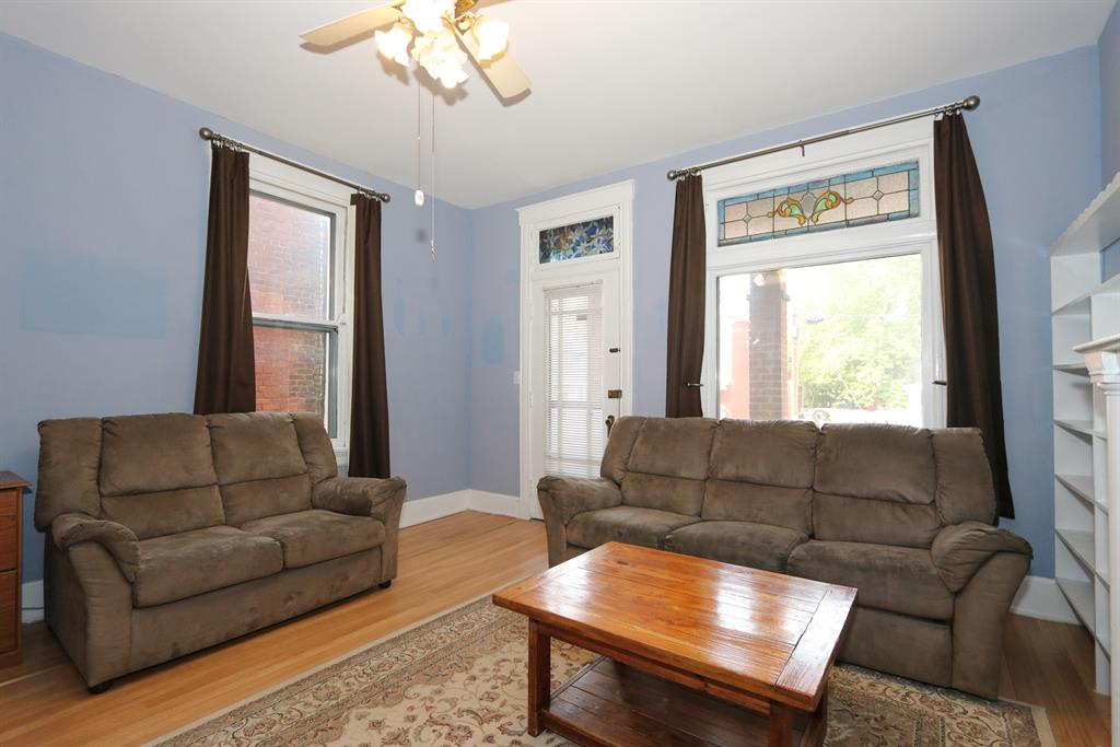 Living Room for 4234 Kirby Ave Northside, OH 45223
