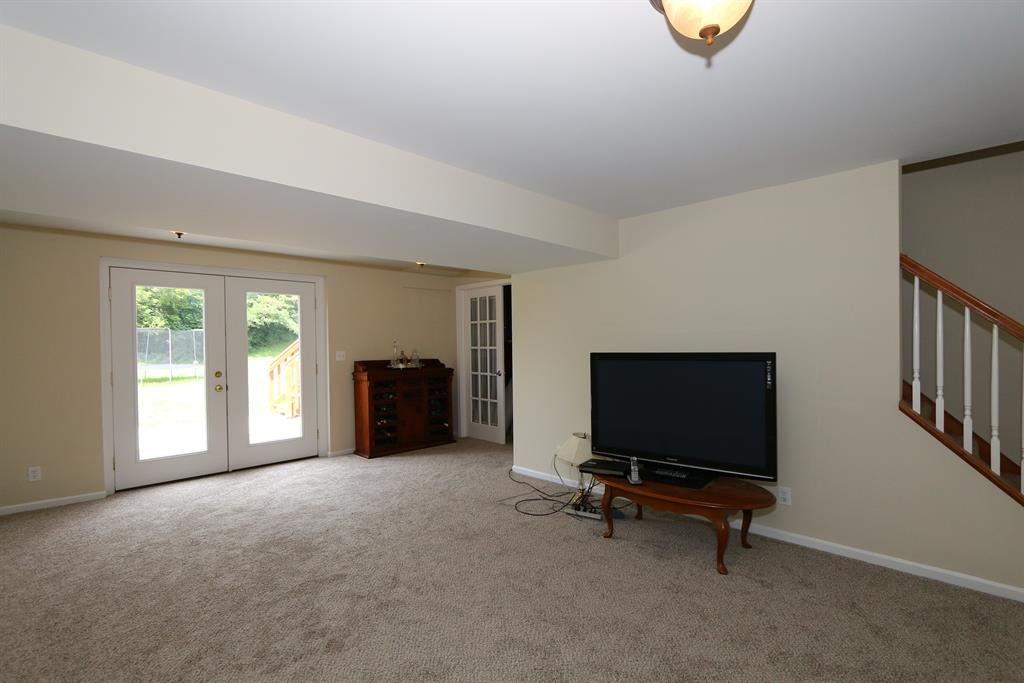 Family Room for 10554 Williamswoods Dr Independence, KY 41051