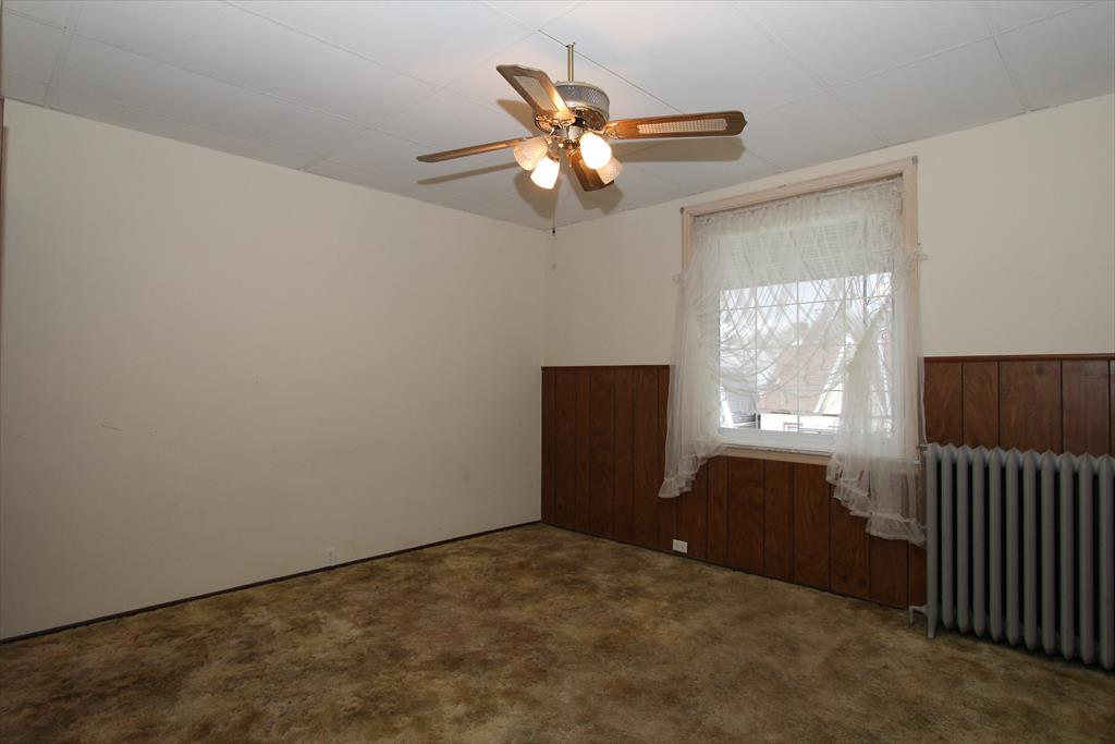 Living Room for 944 Maple Ave Dayton, KY 41074