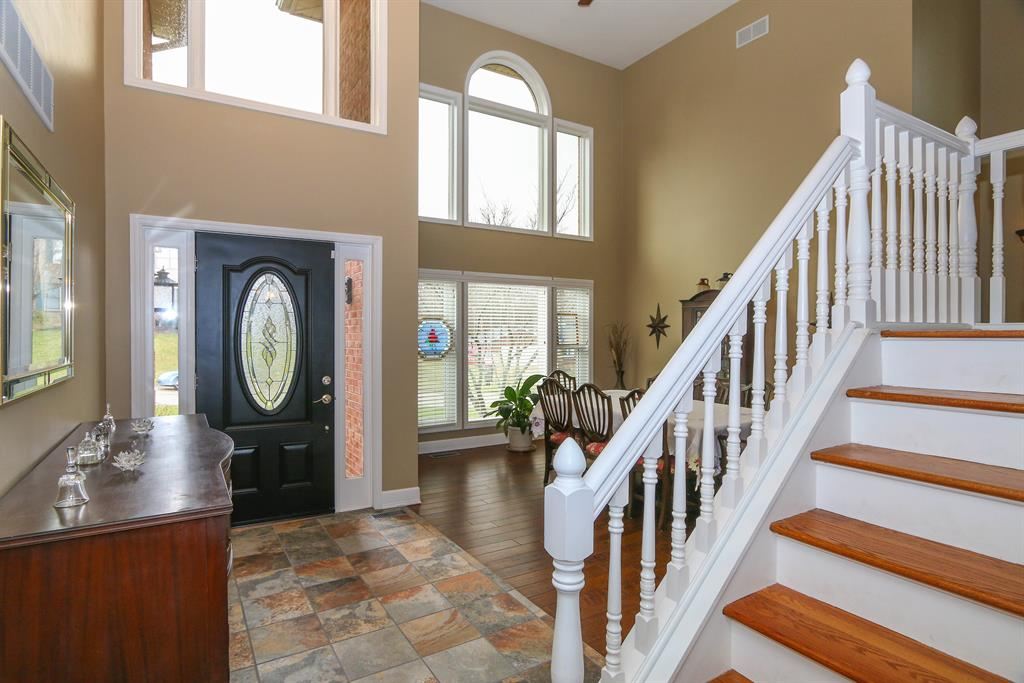 Foyer for 8 Kees Dr Alexandria, KY 41001