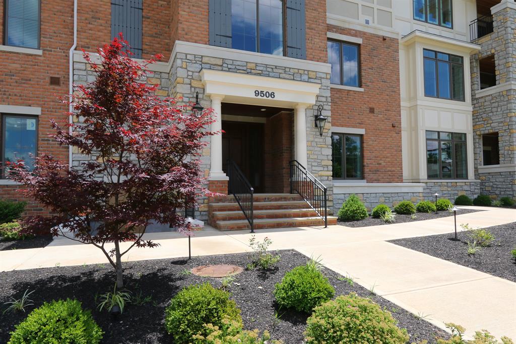 Entrance for 9506 Park Manor, 202 Blue Ash, OH 45242