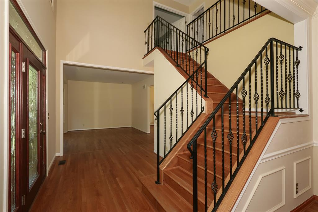 Foyer for 887 Riverwatch Dr Crescent Springs, KY 41017