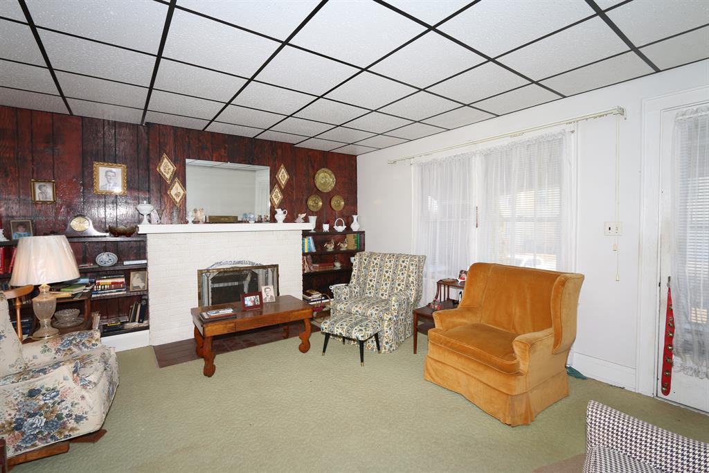 Living Room for 101 Timberlake Ave Erlanger, KY 41018