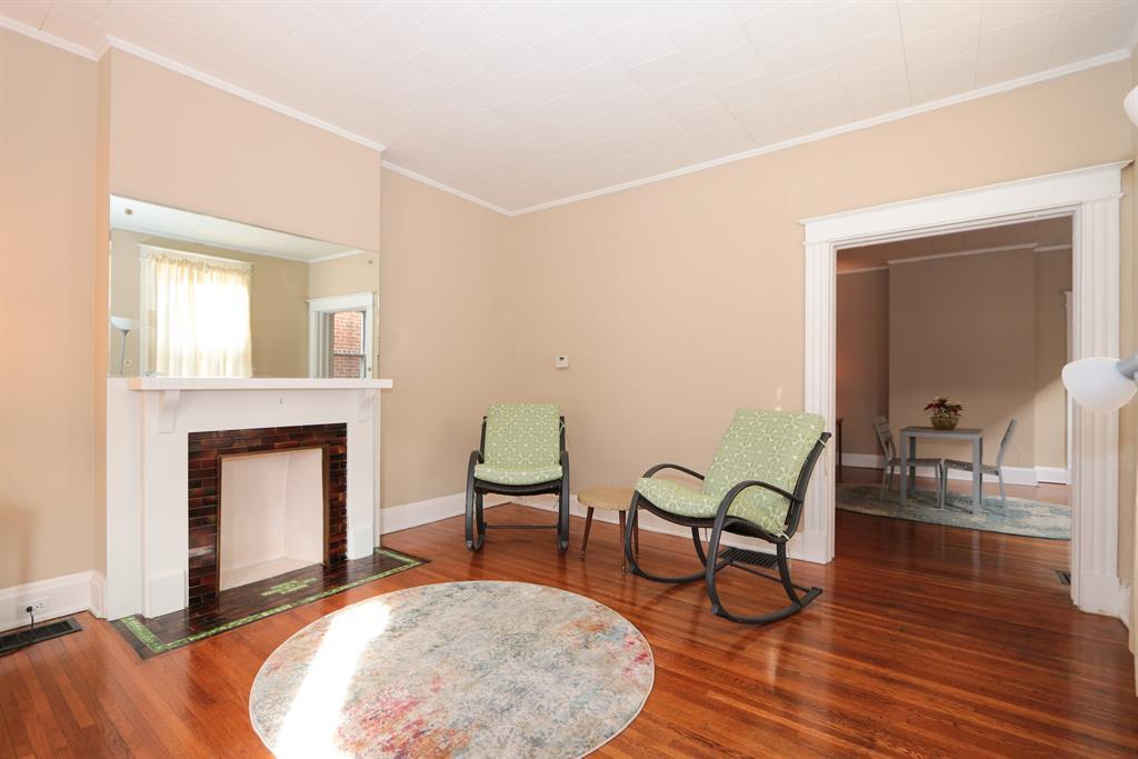 Living Room for 1728 Jefferson Ave Covington, KY 41014