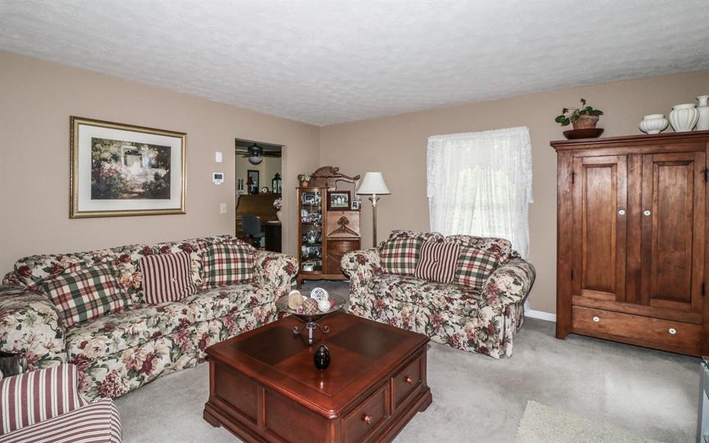Living Room for 3394 Mclean Rd Franklin, OH 45005