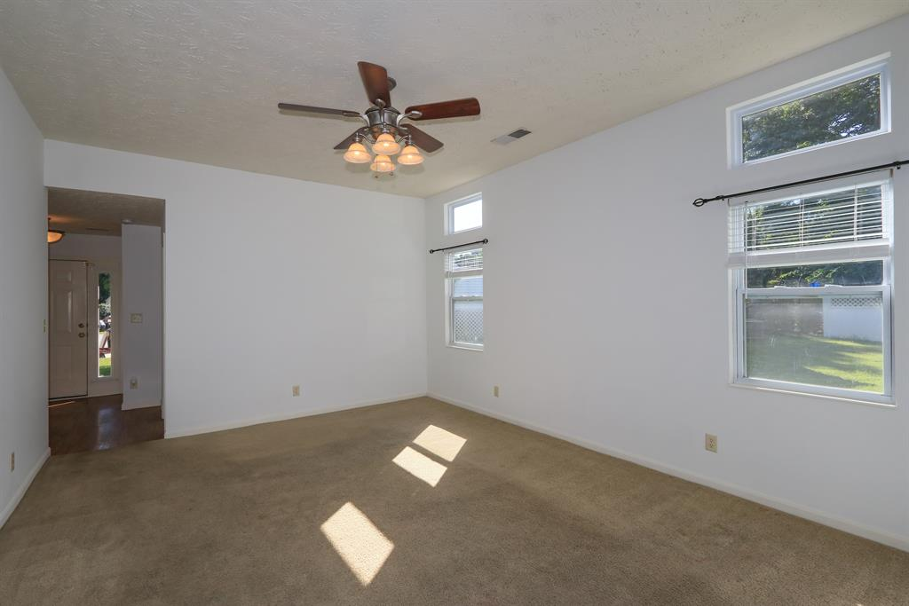 Living Room for 3596 Providence Trace Dr Melbourne, KY 41059
