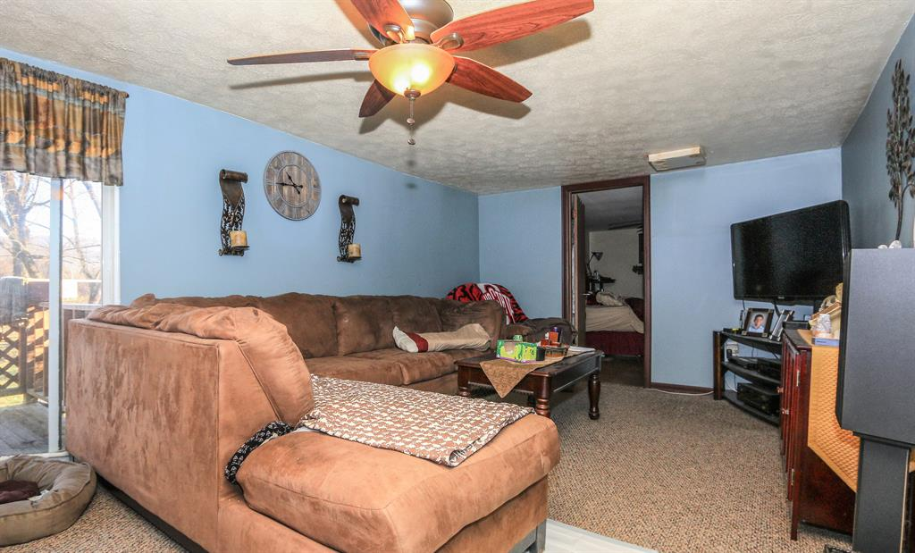 Living Room for 29761 Lawson Ln West Harrison, IN 47060