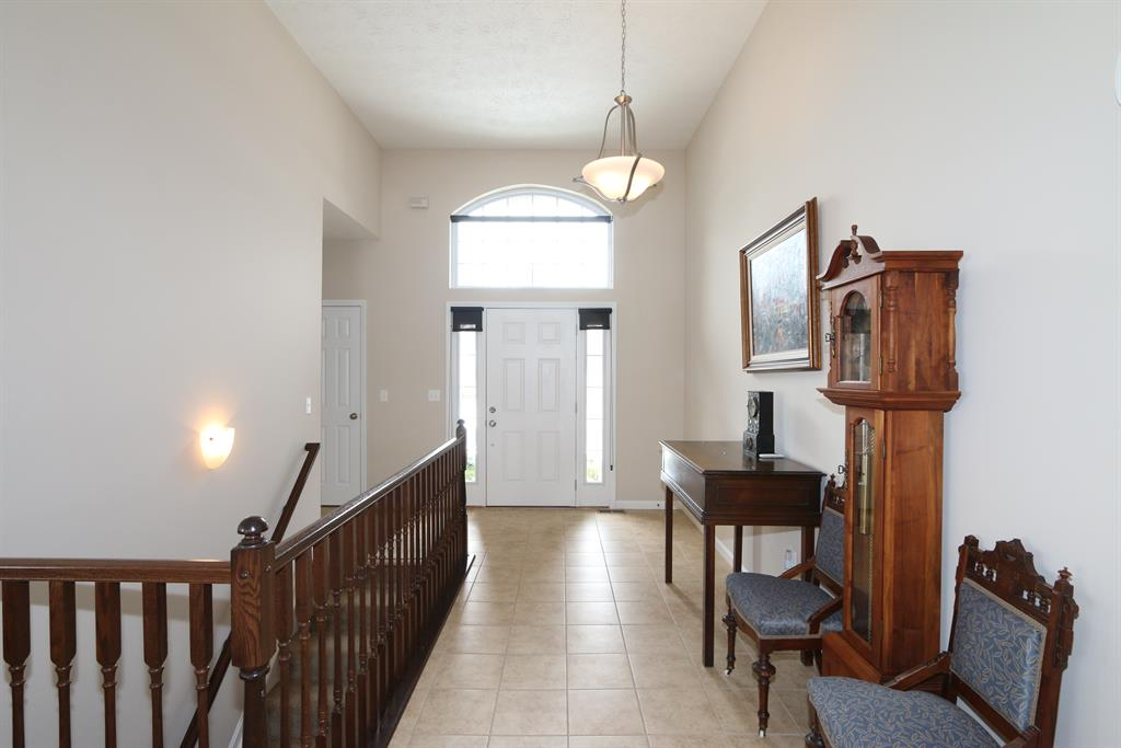 Foyer for 7972 Parsley Clayton, OH 45315
