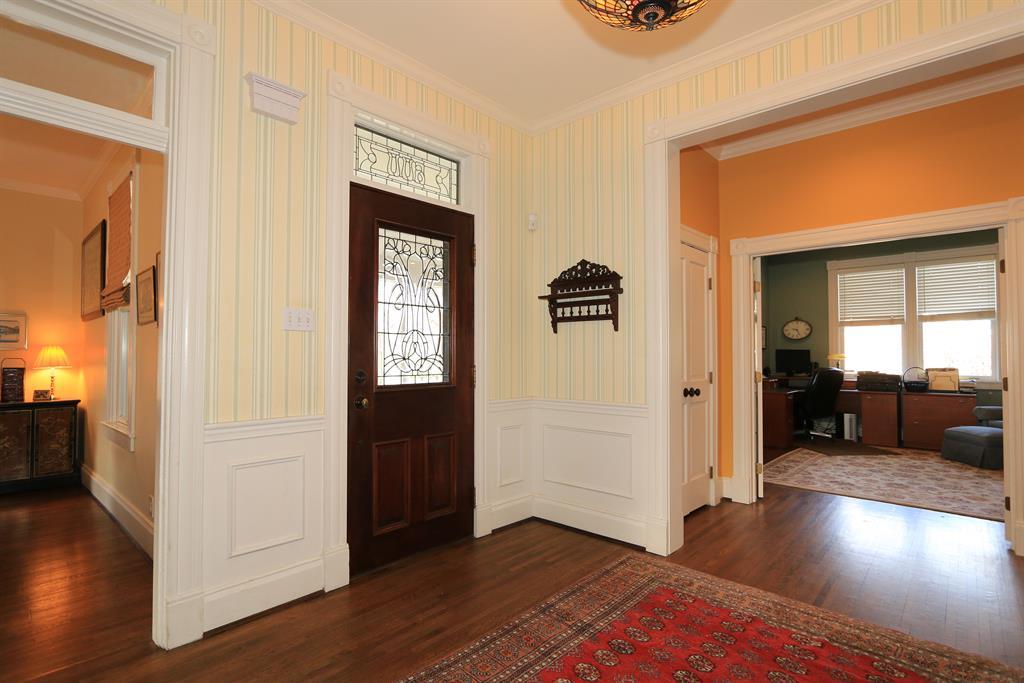 Foyer for 600 Stanton Ave Terrace Park, OH 45174