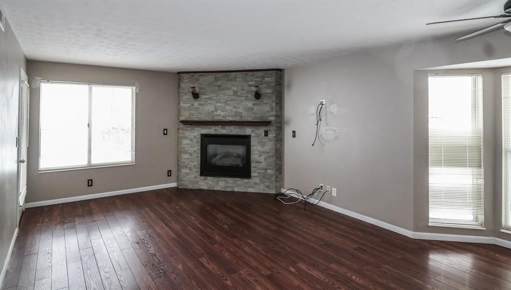 Living Room for 500 Brookstone Ln Cold Spring, KY 41076