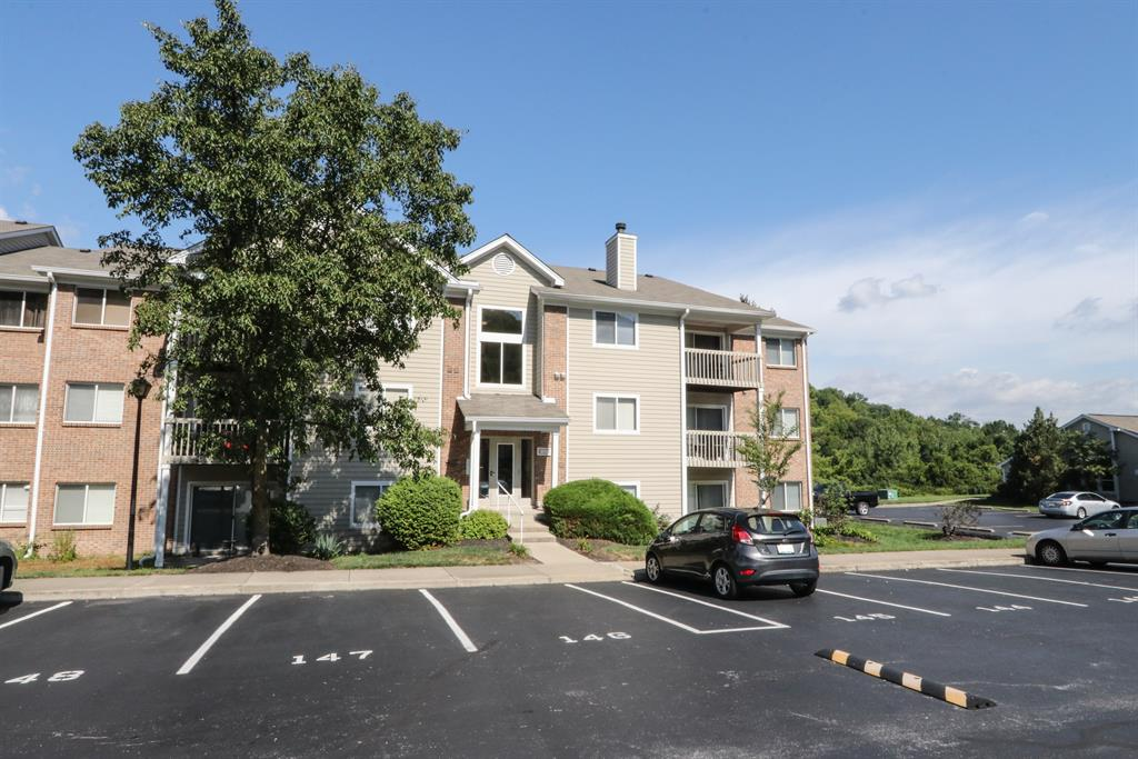 210 Willowbrook Ct #5