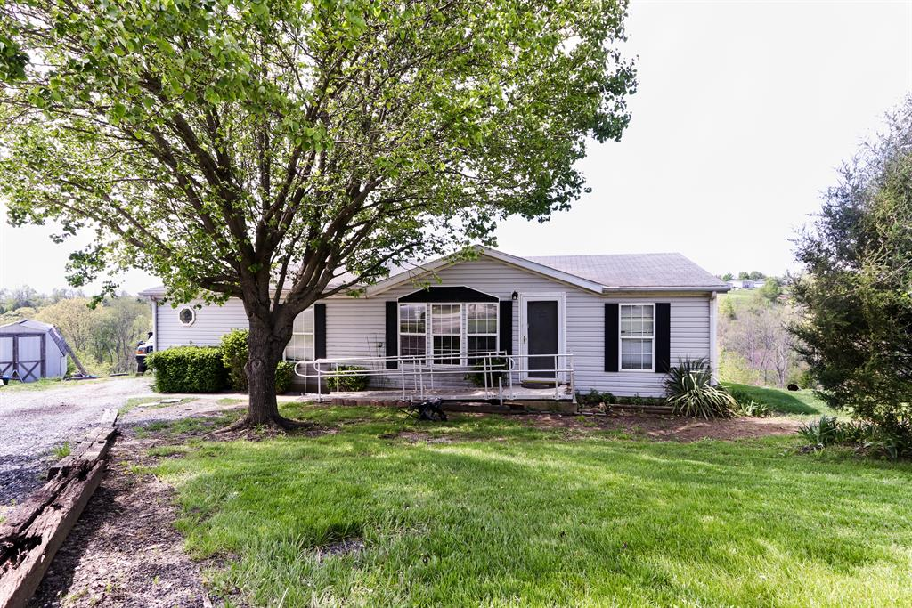 Exterior (Main) for 290 Della Ct Verona, KY 41092