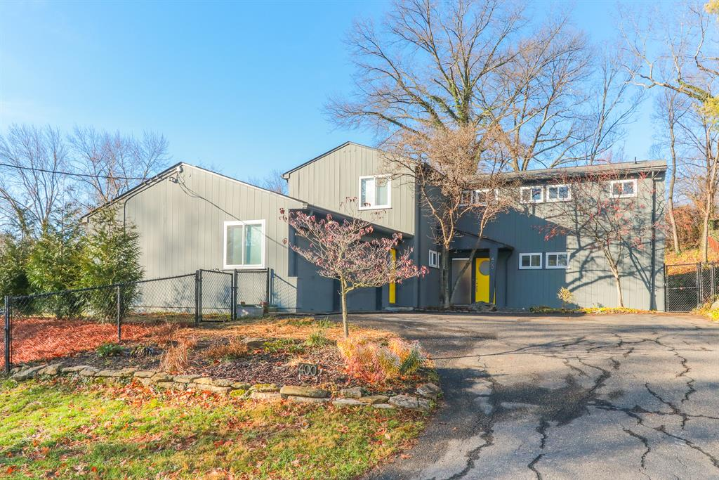 400 Rawson Woods Ln Clifton, OH