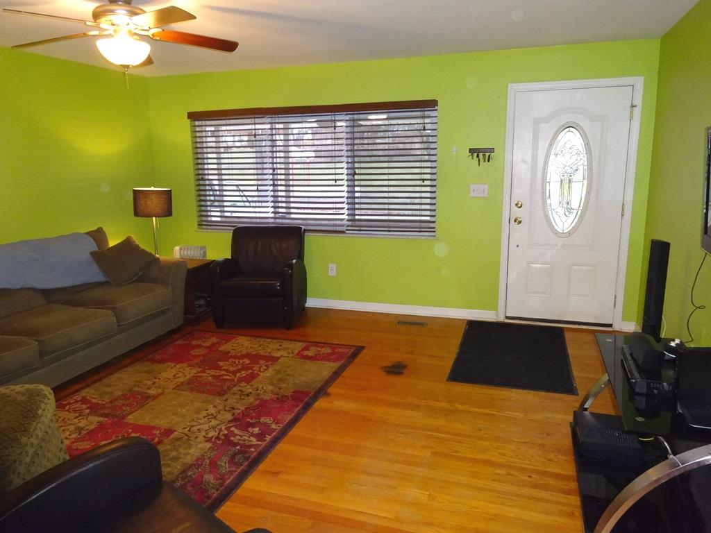 Living Room image 2 for 3404 Rainbow Ter Erlanger, KY 41018