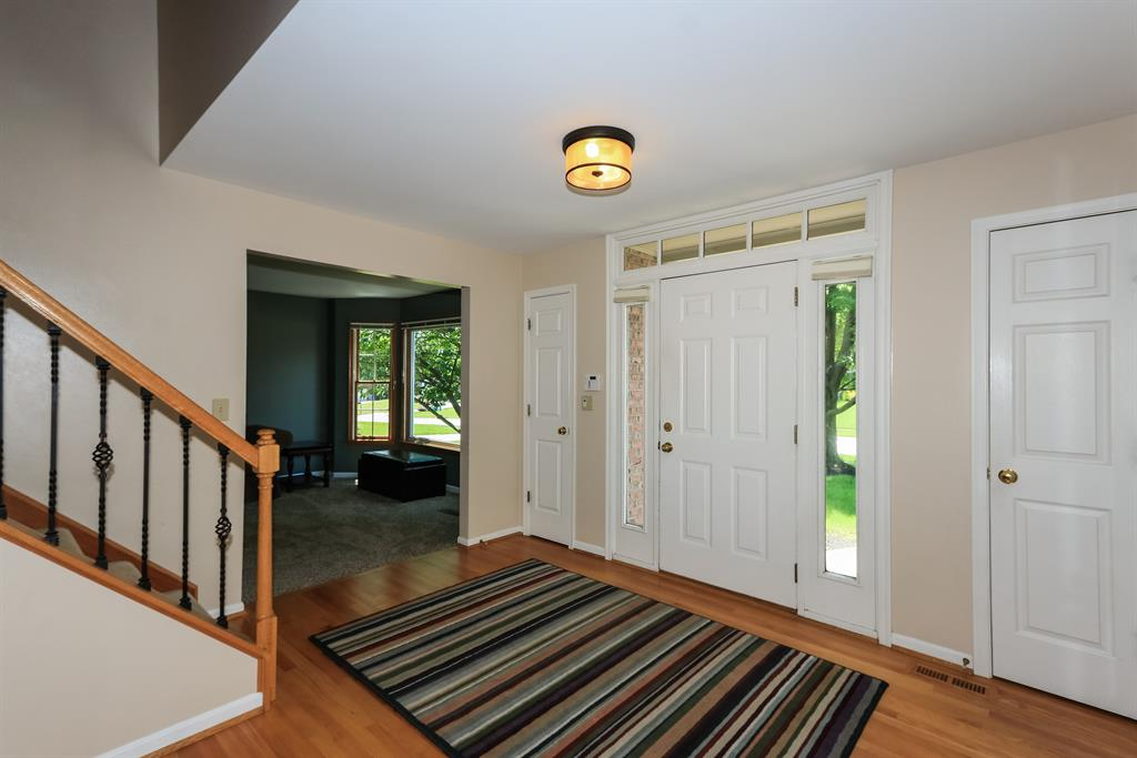 Foyer for 714 Sunglow St Villa Hills, KY 41017