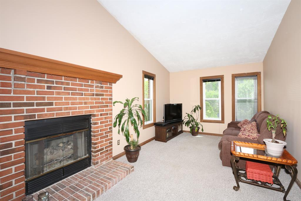 Living Room for 155 Chesapeake Ave Fort Thomas, KY 41075