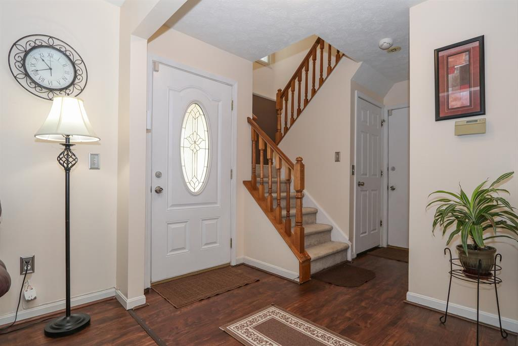 Foyer for 3079 Hoock Ct Monfort Hts., OH 45239