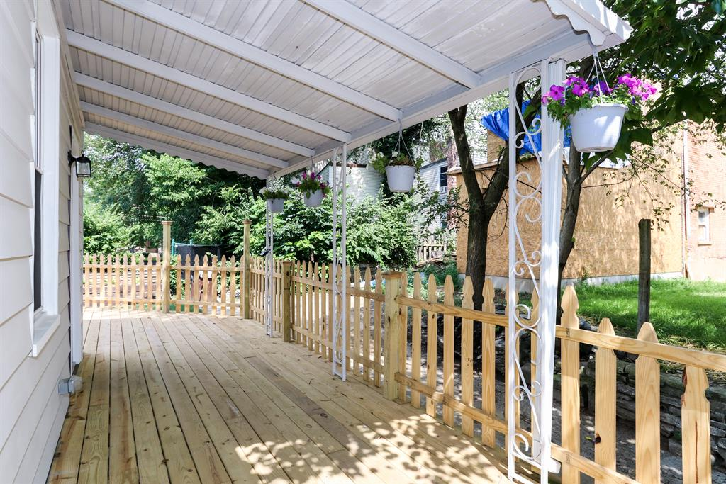 Porch for 637 Roberts St Newport, KY 41071