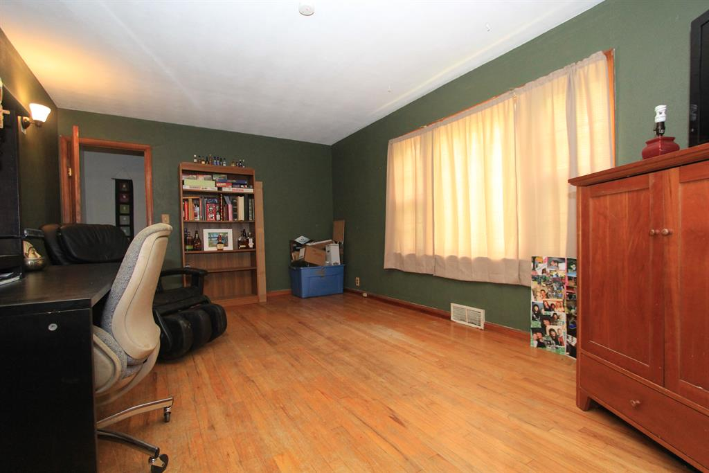 Living Room image 2 for 28477 St Rt 1 West Harrison, IN 47060