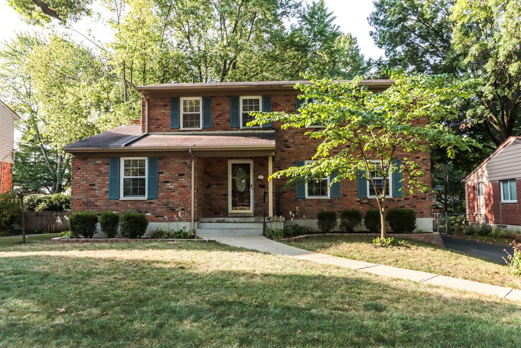 1027 Timber Trl Finneytown, OH