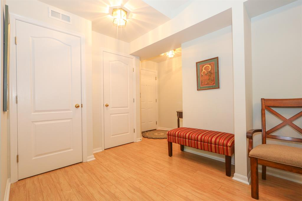 Foyer for 5305 Cooper Rd, E Montgomery, OH 45242