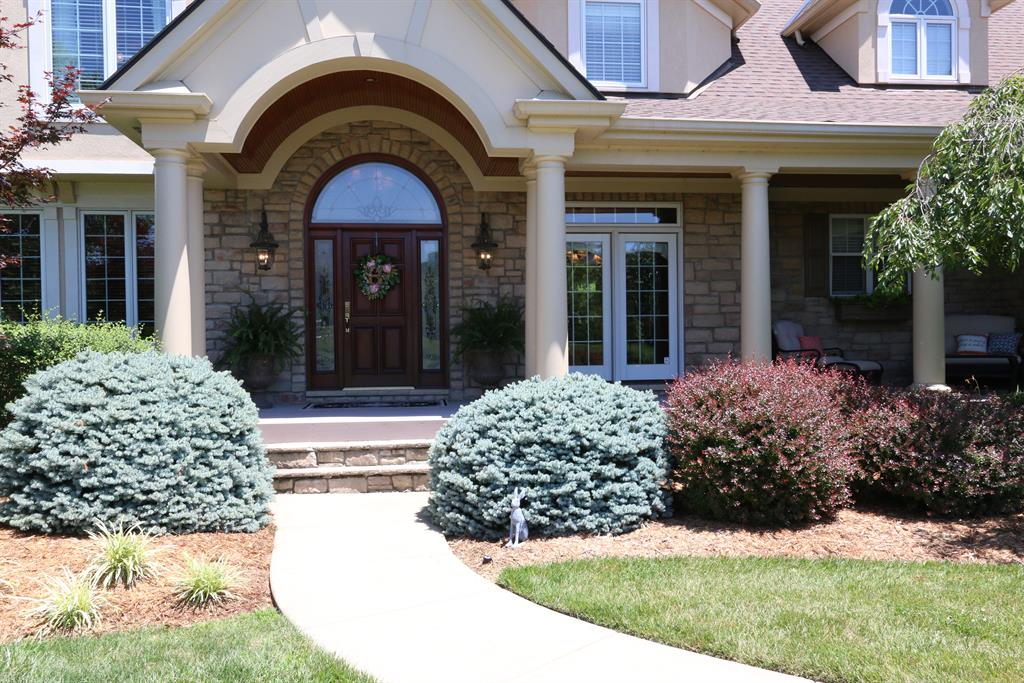 Entrance for 940 Squire Oaks Dr Villa Hills, KY 41017