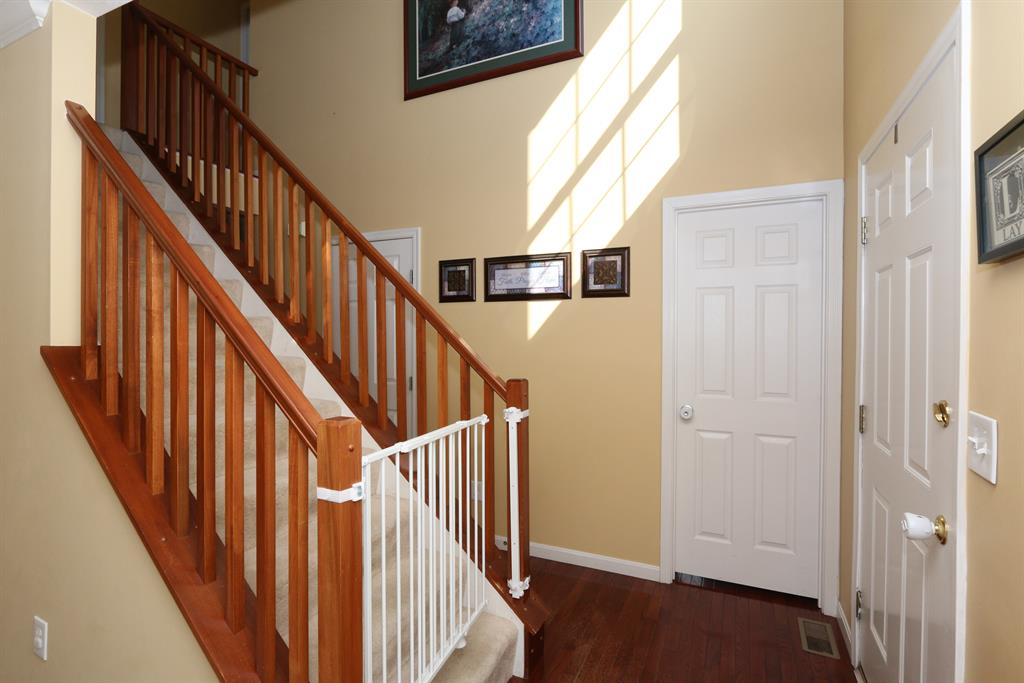 Foyer for 9700 Cloveridge Dr Independence, KY 41051